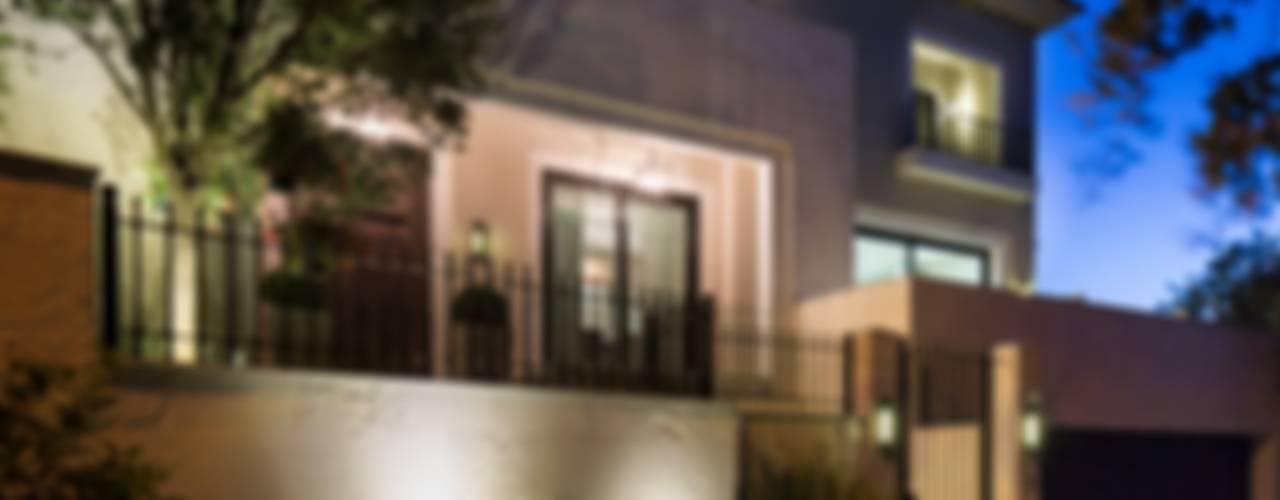 CASA MIGUEL ÁNGEL Casas modernas de Rousseau Arquitectos Moderno