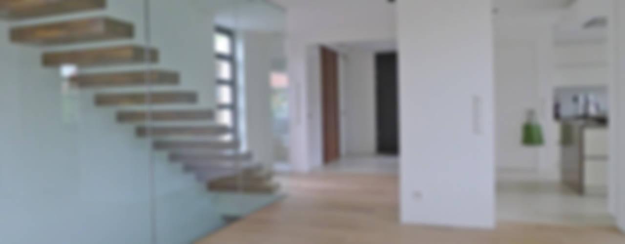 Fritz Kleedörfer GmbH Corridor, hallway & stairsStairs