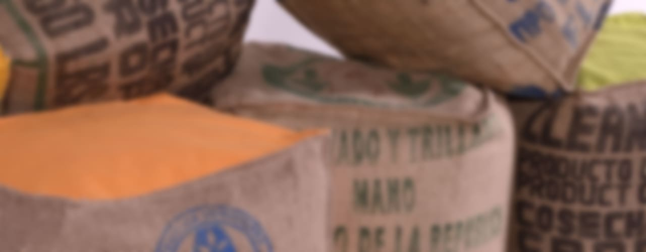 Poufs et coussins de sol en sacs de café recyclés. Made in Nantes par LILOKAWA Éclectique