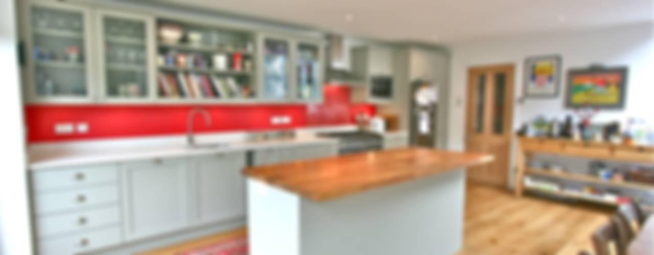 Acton, London Kitchen Modern kitchen by Laura Gompertz Interiors Ltd Modern