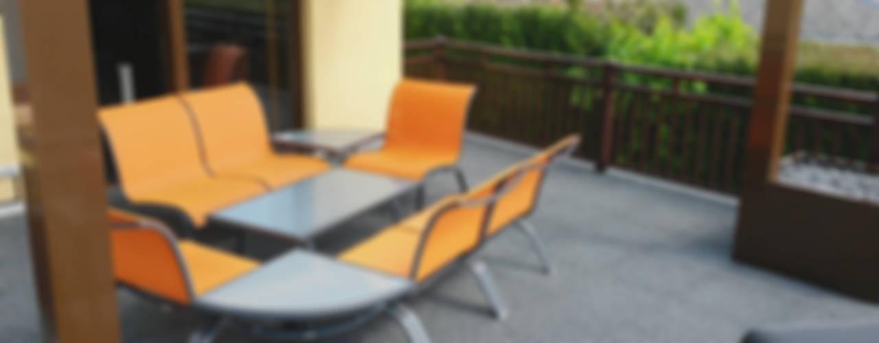 Terrasse - Gestaltung und Belag Moderner Balkon, Veranda & Terrasse von WARCO Bodenbeläge Modern