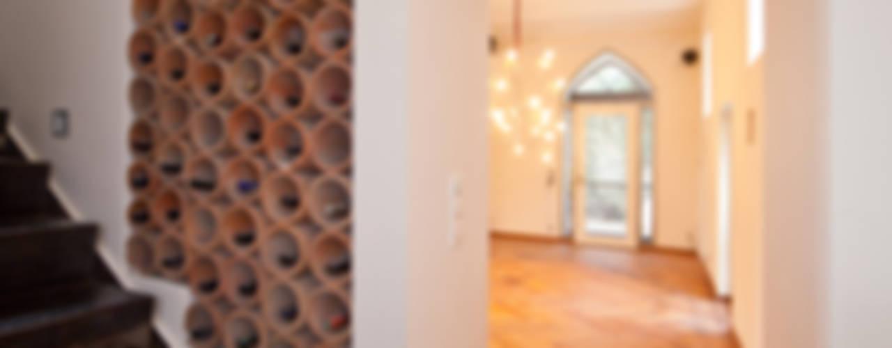 Einwandfrei - innovative Malerarbeiten oHGが手掛けた廊下 & 玄関
