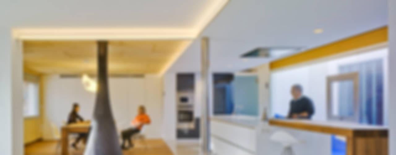 Casas: Ideas, imágenes y decoración de FLAP STUDIO