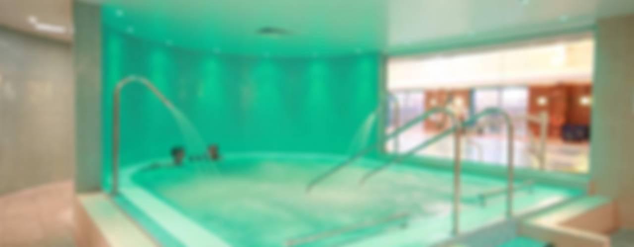 Health Spa Installation:  Gym by Leisurequip Limited, Modern