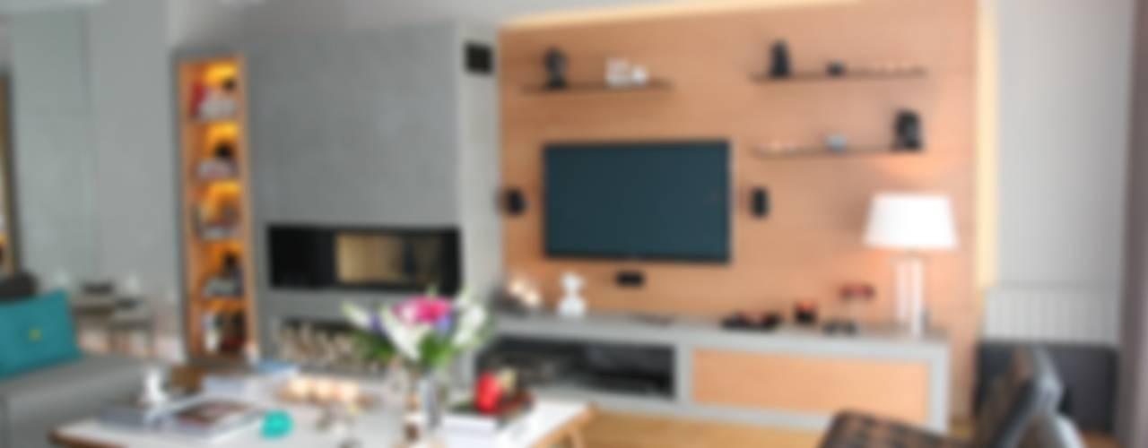 KKS HOUSE Salones de estilo moderno de Esra Kazmirci Mimarlik Moderno