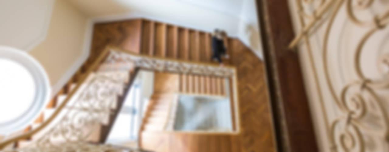 Villa Viktoria Moderner Flur, Diele & Treppenhaus von Wohnwert Innenarchitektur Modern