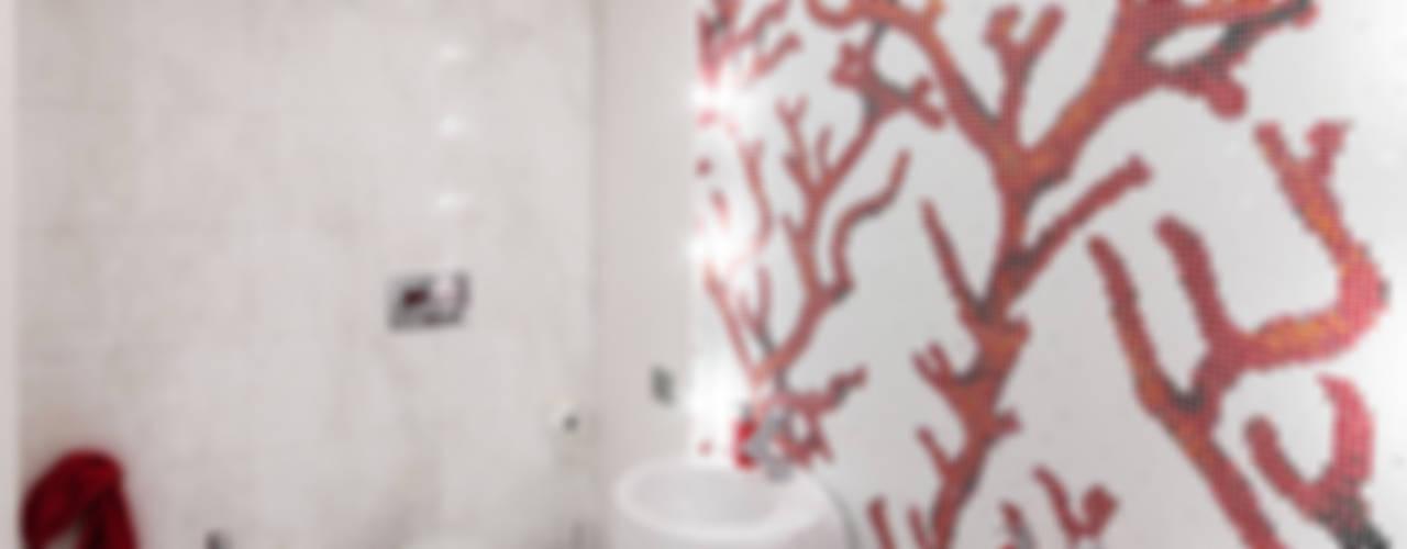 PASSIONE PER IL BIANCO Bagno minimalista di StudioG Minimalista