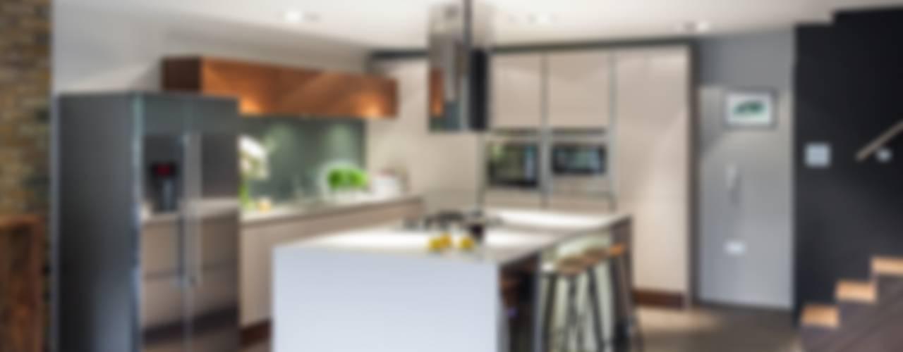 Basement Kitchen, Kingston Eklektyczna kuchnia od Casey & Fox Ltd Eklektyczny