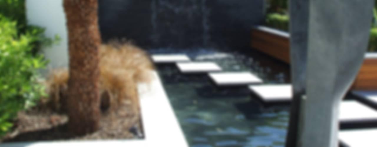"""A Contemporary """"Oasis"""" Taman Modern Oleh Kevin Cooper Garden Design Modern"""