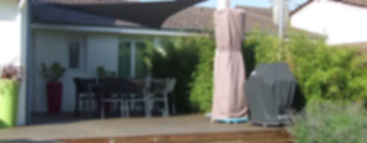 Détente au jardin Balcon, Veranda & Terrasse minimalistes par Ledoux Jardin Minimaliste