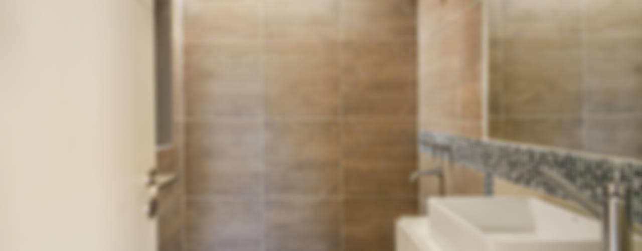 Salle de bain moderne par Estudio A+3 Moderne