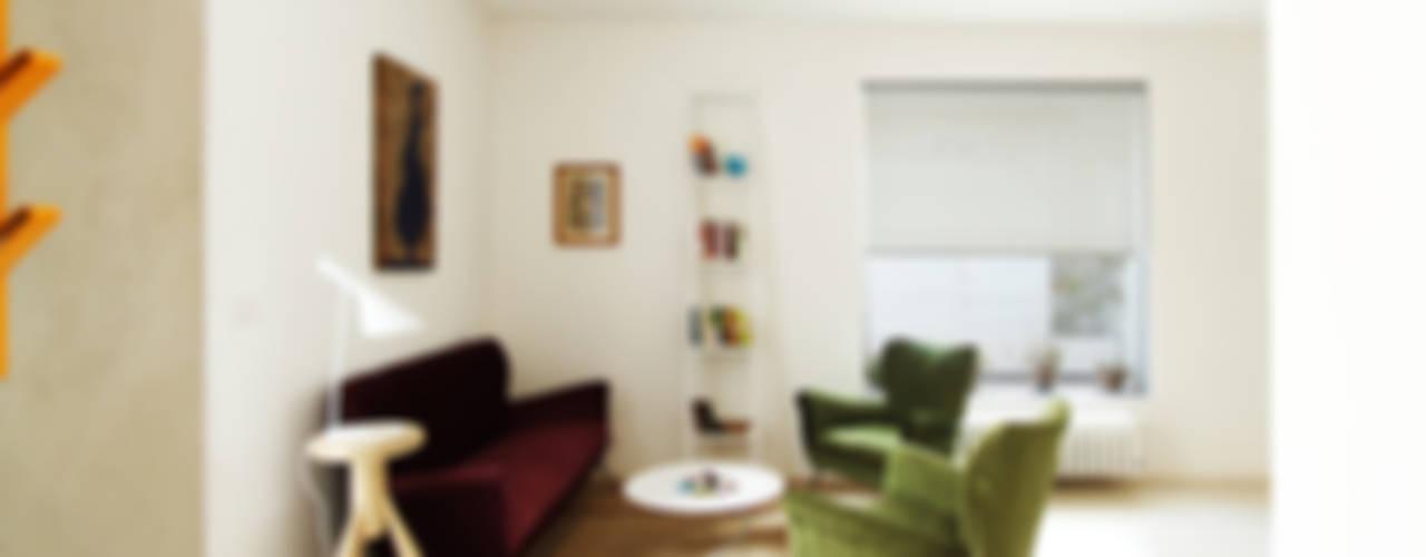 Minimalist living room by GIUSEPPE GURRIERI Minimalist