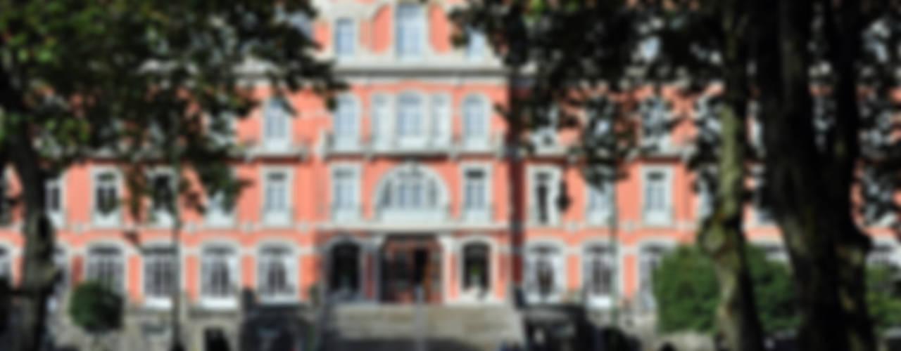 VIDAGO PALACE Hotéis eclécticos por Larforma Eclético