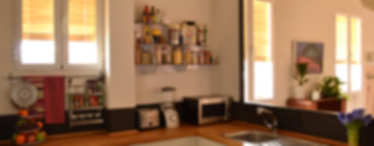 Piso en Atocha Cocinas de estilo ecléctico de Diseño Interior Bruto Ecléctico