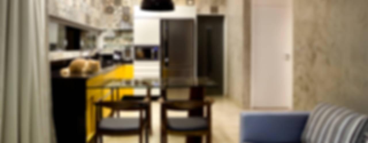 Industriale Wohnzimmer von SAINZ arquitetura Industrial