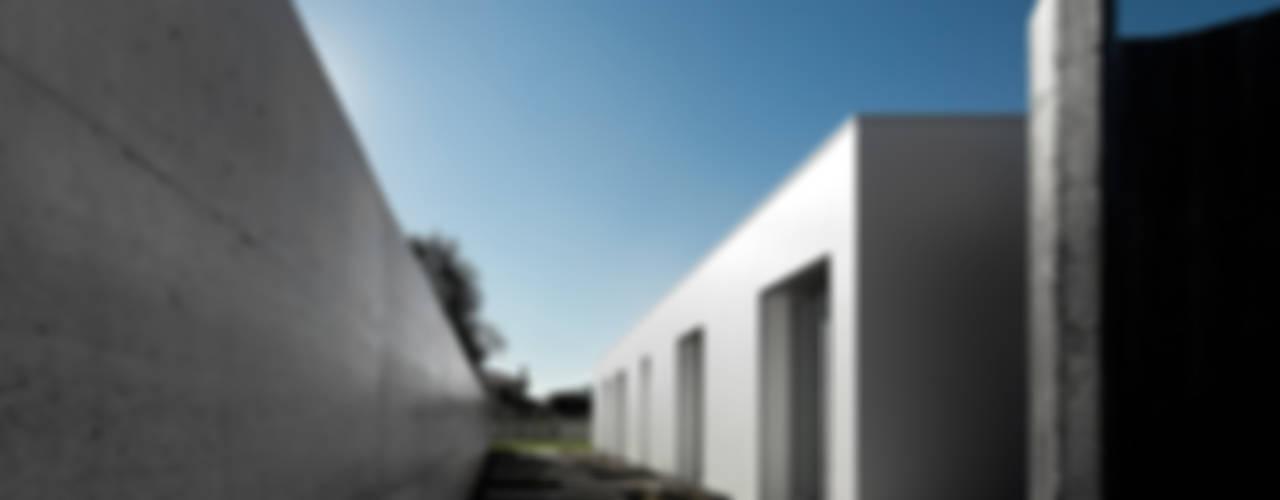 Projekty,  Domy zaprojektowane przez A2+ ARQUITECTOS, Nowoczesny