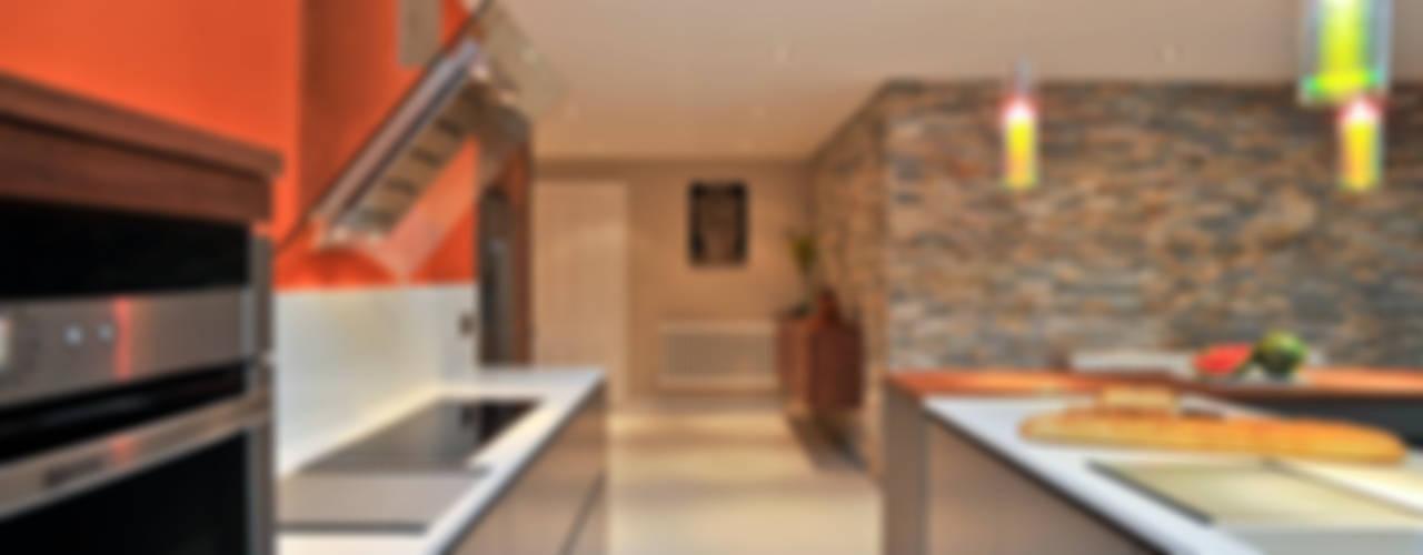 MR & MRS BENNETT'S KITCHEN Modern Mutfak Diane Berry Kitchens Modern