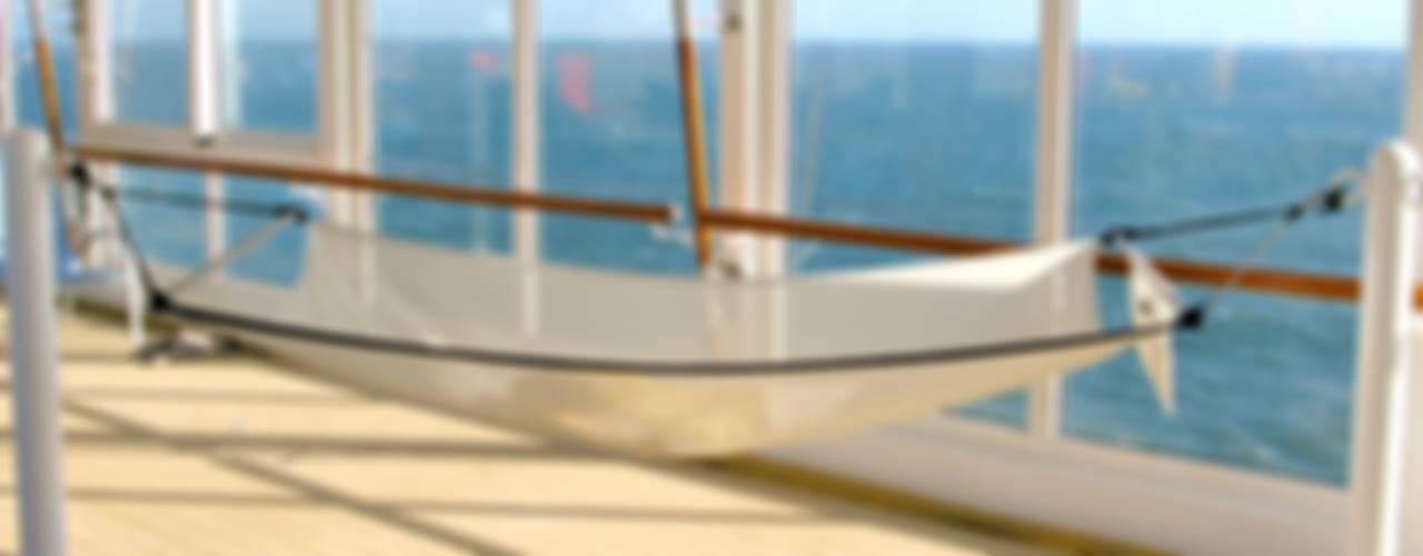 Yacht & Jet in stile moderno di CrazyChair Hängematten Moderno