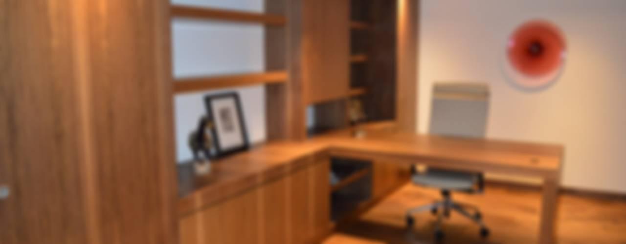 Casa en El Pedregal Estudios y despachos modernos de Revah Arqs Moderno