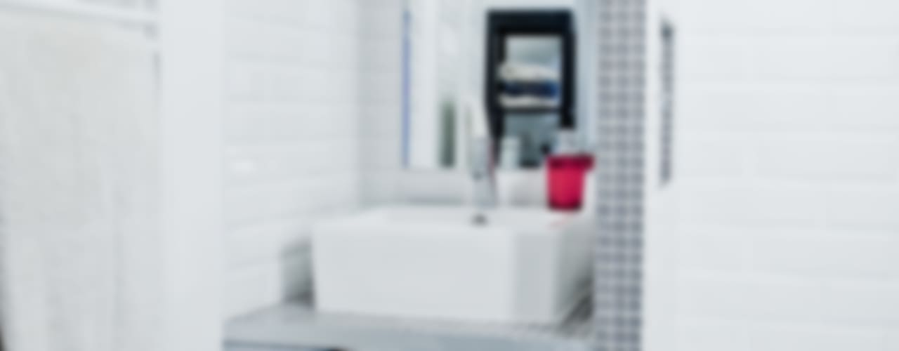 Moderne badkamers van Grazia Architecture Modern
