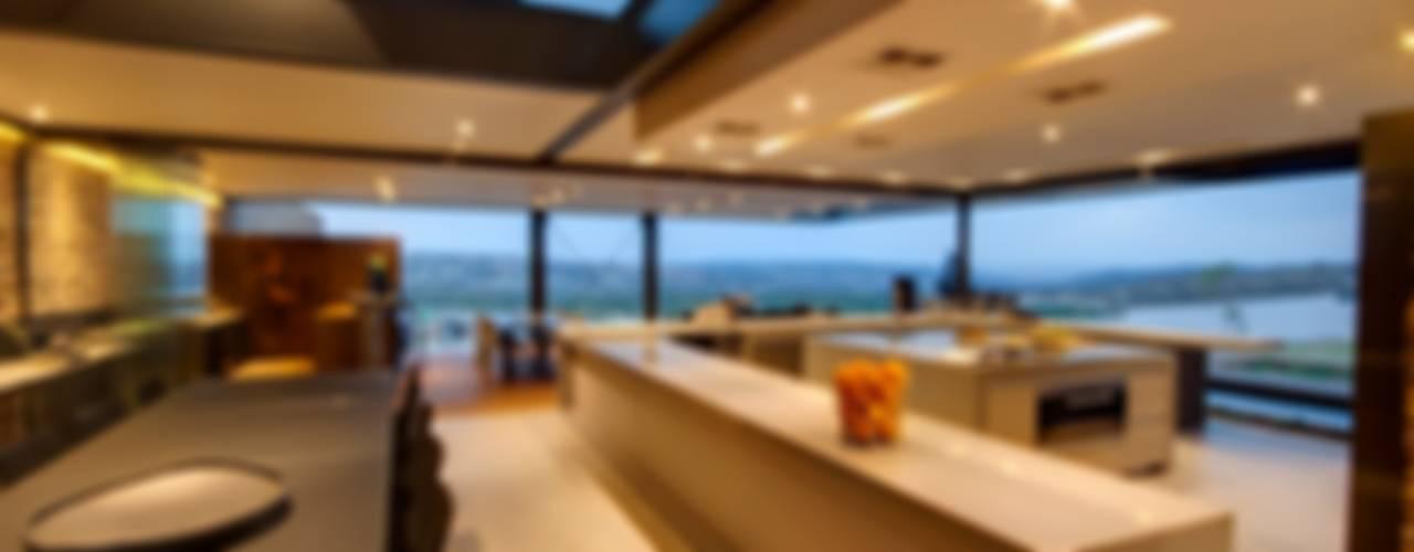 House Boz Casas modernas por Nico Van Der Meulen Architects Moderno