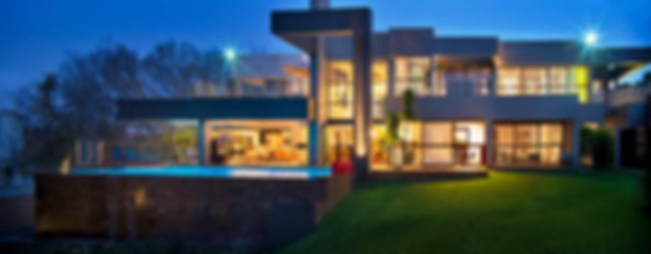 House Eccleston Дома в стиле модерн от Nico Van Der Meulen Architects Модерн