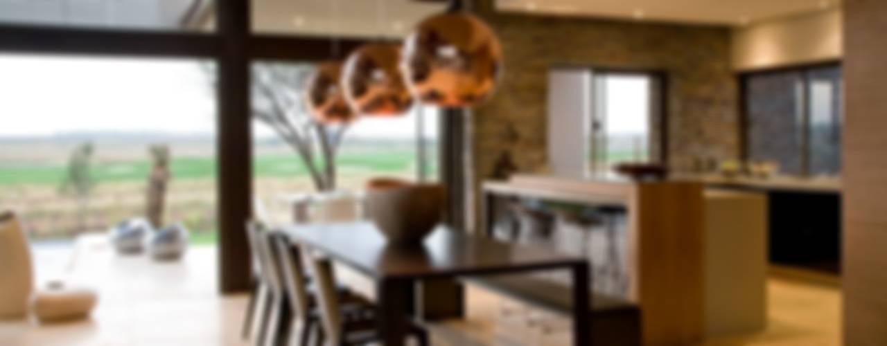 House Serengeti Modern Dining Room by Nico Van Der Meulen Architects Modern