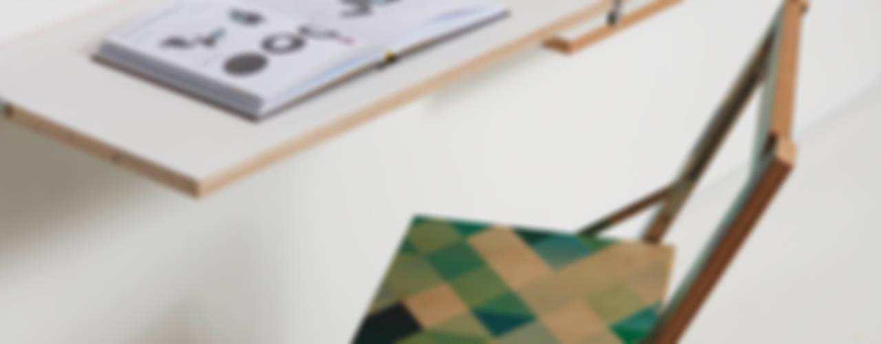Ambivalenz Fläpps: modern  von KwiK Designmöbel GmbH,Modern