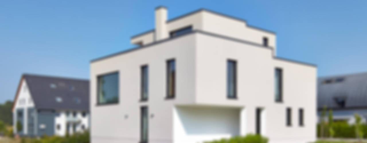 Einfamilienhaus in Niedrigenergiebauweise Moderne Häuser von Bruck + Weckerle Architekten Modern