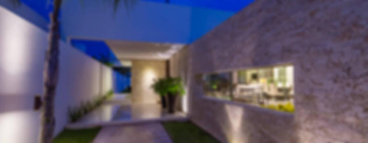 Casa Kopché: Casas unifamiliares de estilo  por Grupo Arquidecture