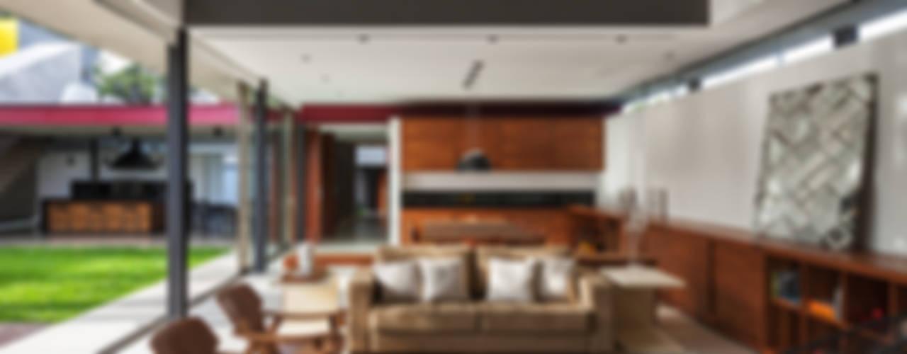 Salas de estilo moderno de FCstudio Moderno