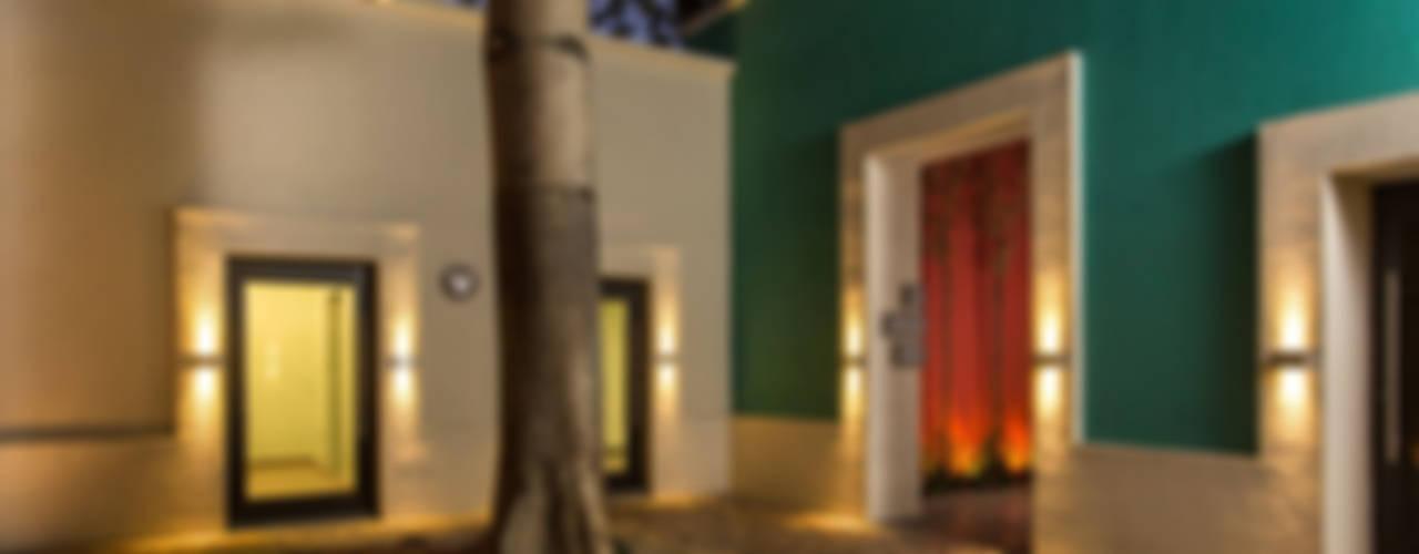 Edificios de oficinas de estilo  por Grupo Arsciniest