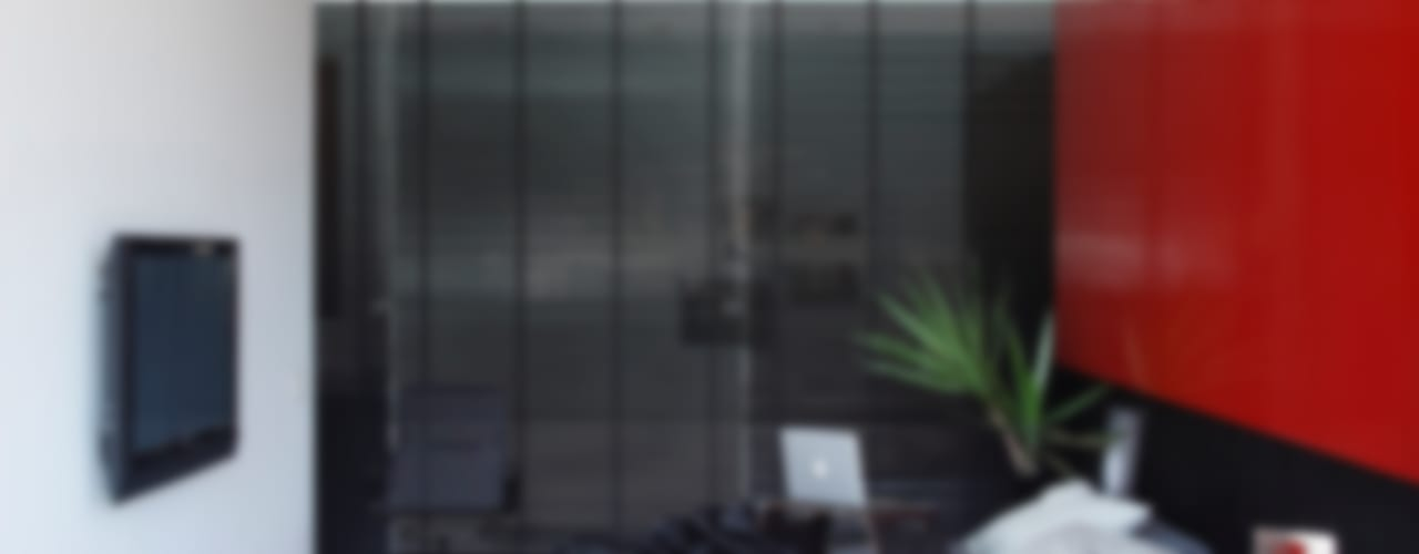 LA HOUSE Modern style bedroom by STUDIO GUILHERME TORRES Modern