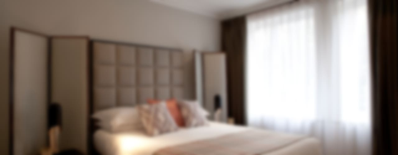 Hans Place: Knightsbridge Classic style bedroom by Roselind Wilson Design Classic