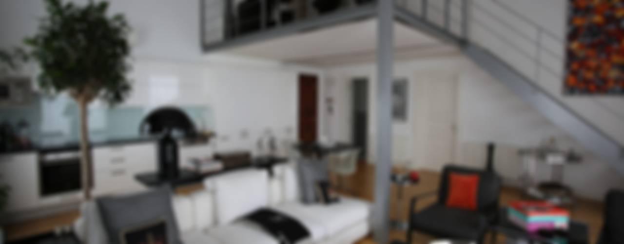 SS HOUSE Modern Oturma Odası Esra Kazmirci Mimarlik Modern