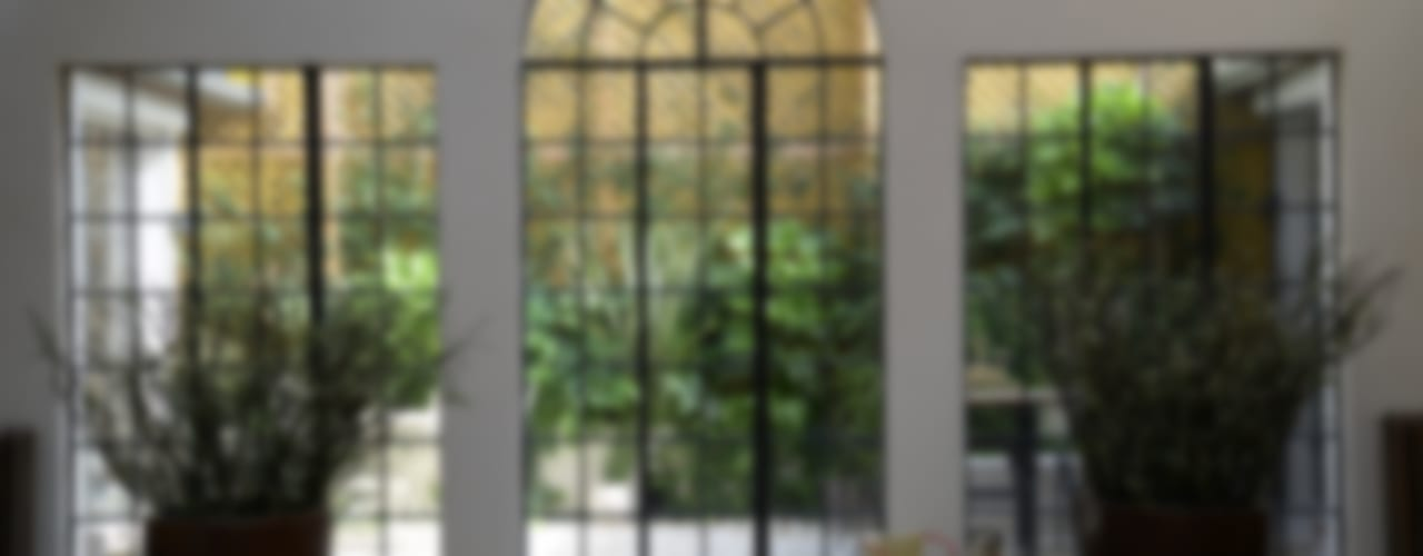 Moderne balkons, veranda's en terrassen van les fleurs du bien Modern
