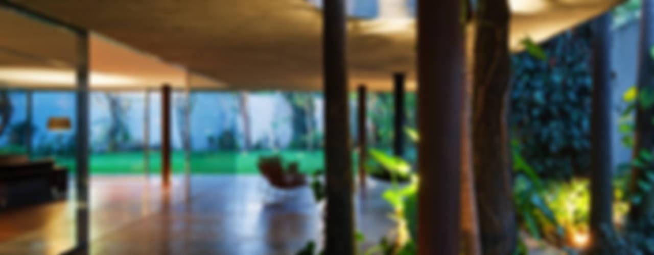 Toblerone House: Jardins  por Studio MK27