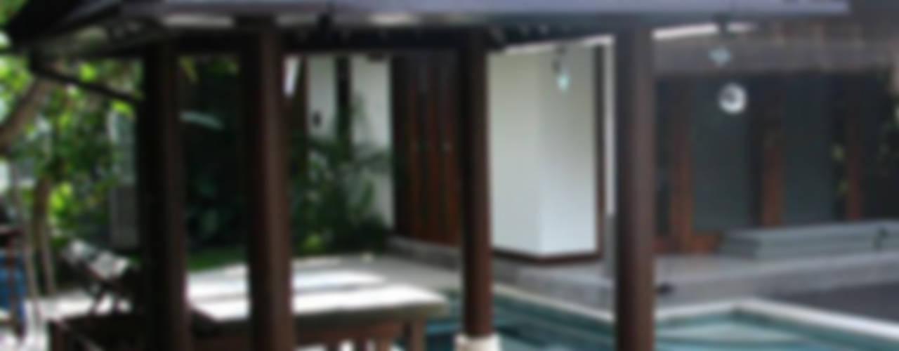 Tropical style garden by comprar en bali Tropical