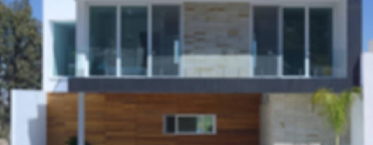 Fachada Principal, Estudio fotográfico preliminar.: Casas de estilo  por TaAG Arquitectura