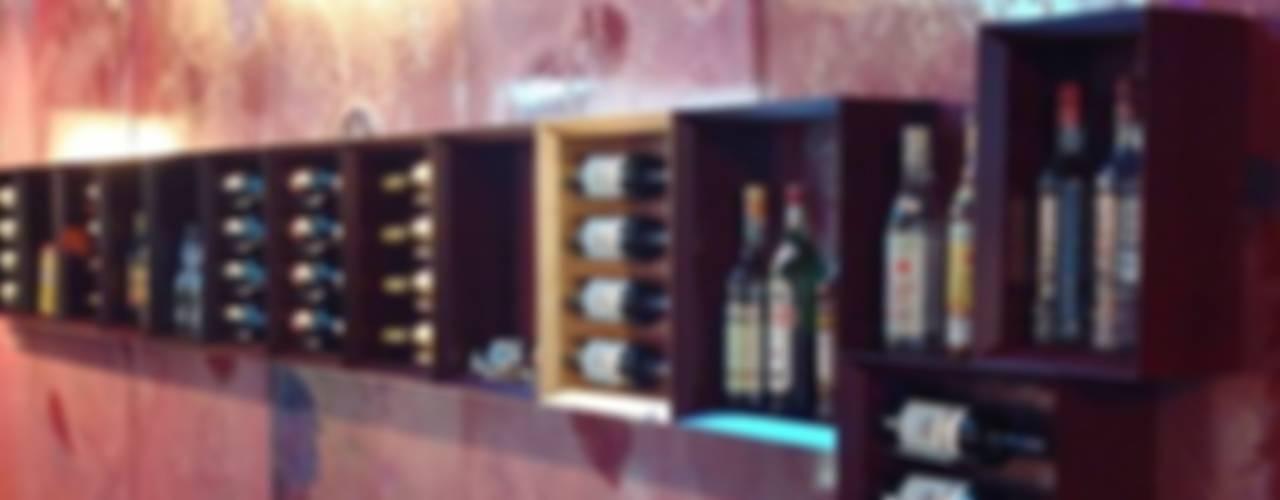 Esigo 5, the wine bookcase de Esigo SRL Moderno