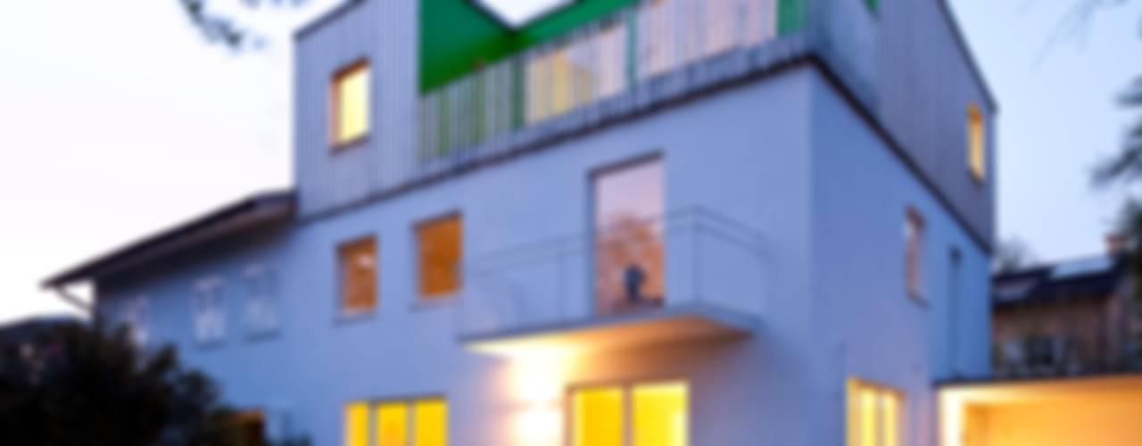 Maisons modernes par hausbuben architekten gmbh Moderne