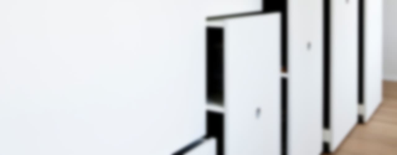 Classic style dressing room by hausbuben architekten gmbh Classic
