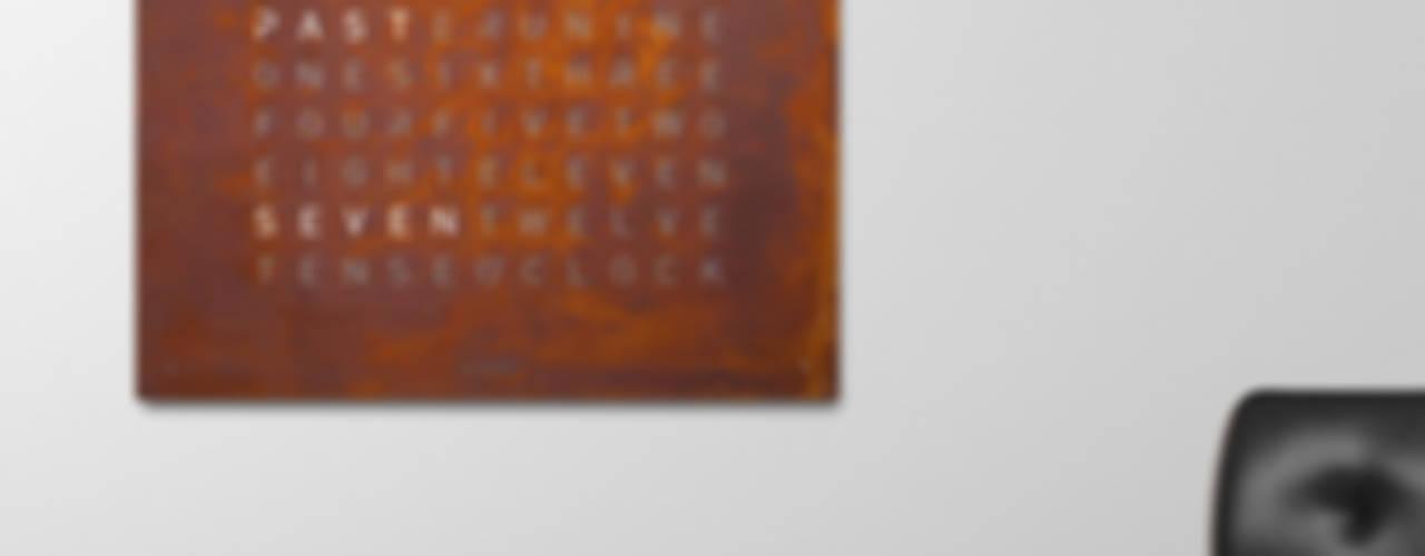 QLOCKTWO LARGE RUST: modern  von Biegert & Funk,Modern