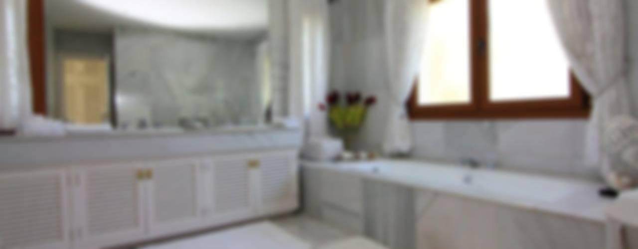 Baños clásicos de Bernadó Luxury Houses Clásico