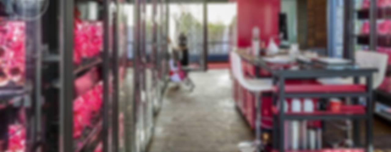 Modern kitchen by Boutique de Arquitectura (Sonotectura + Refaccionaria) Modern