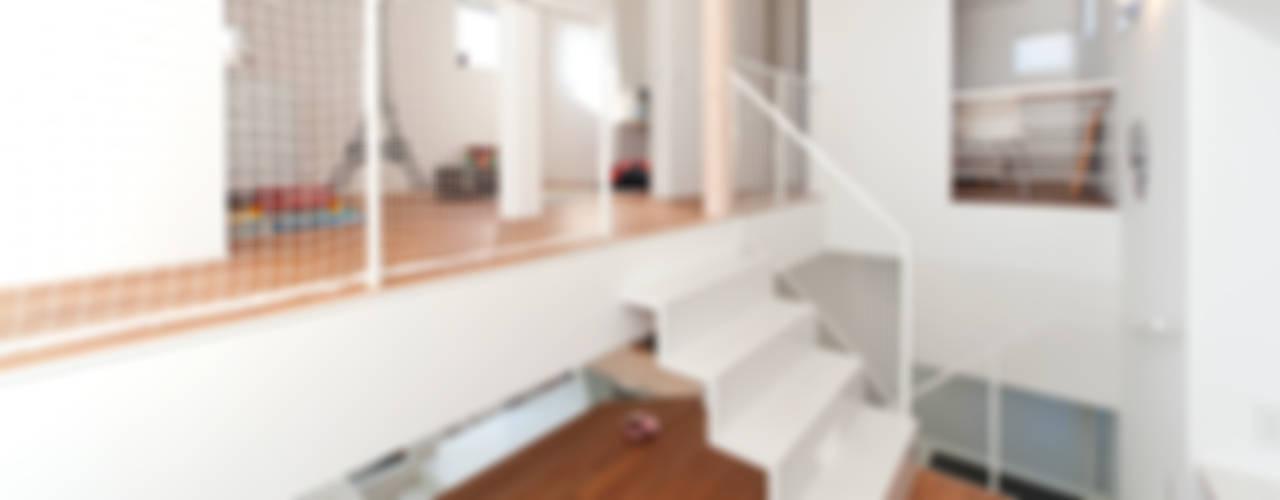 Дома в стиле модерн от LIC・山本建築設計事務所 Модерн