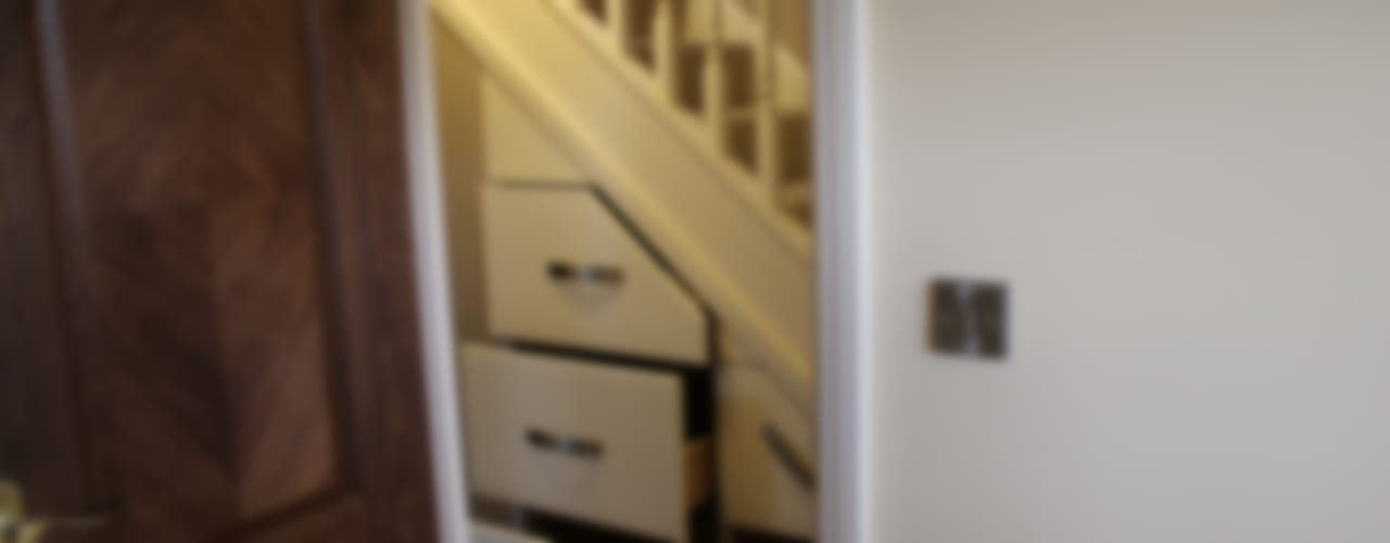 130 Cheviot Gardens Roberts 21st Century Design Corridor, hallway & stairsStorage
