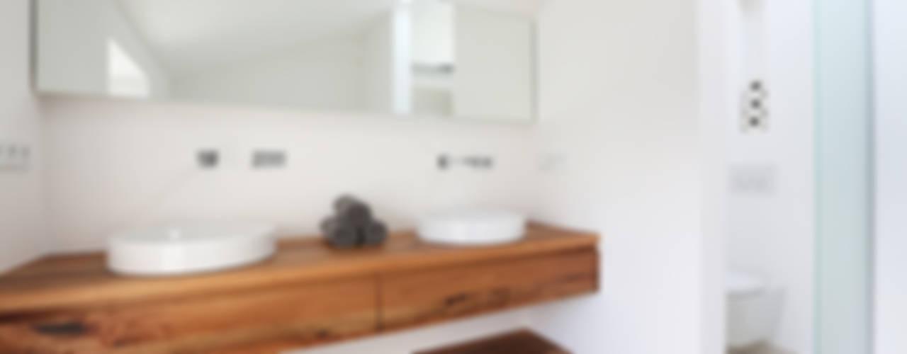 Banheiros  por eva lorey innenarchitektur