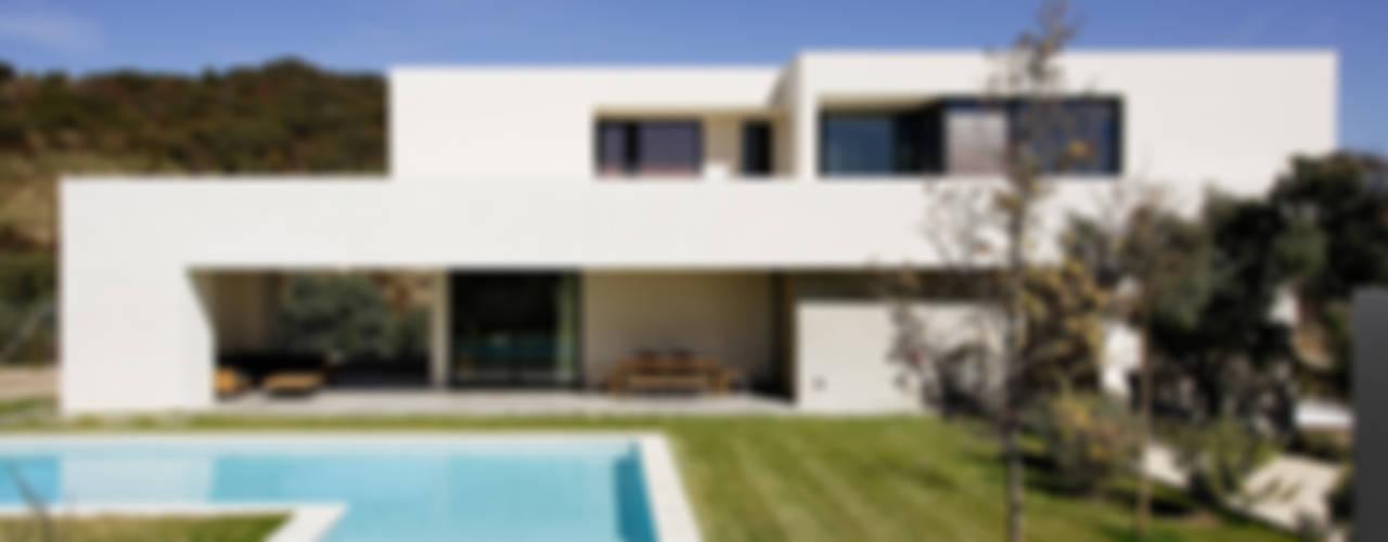 Casas modernas: Ideas, imágenes y decoración de Otto Medem Arquitecto vanguardista en Madrid Moderno