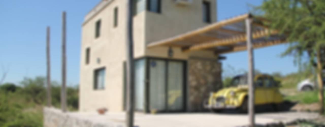 CASA SOMBRERO: Casas de estilo  por MULA.Arquitectos